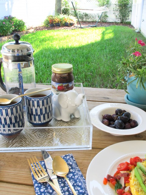 Breakfast on the porch via Ashley Brooke Designs