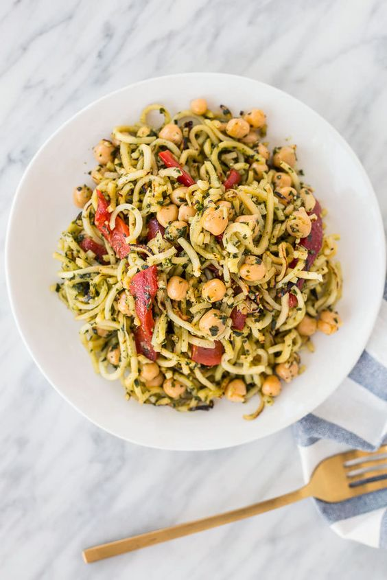 Spiralized Parsnips with Pesto, Roasted Red peppers and Chickpeas: