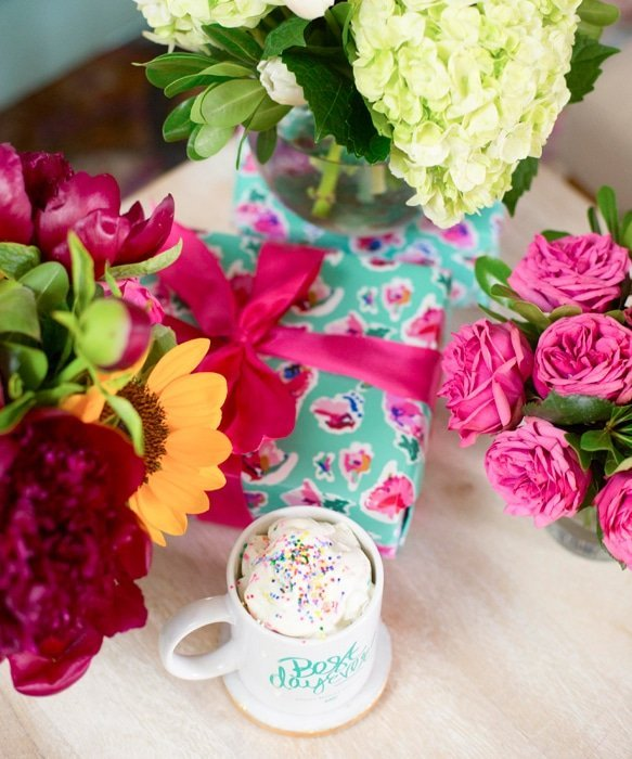Flower bouquets with Best Day Ever mug