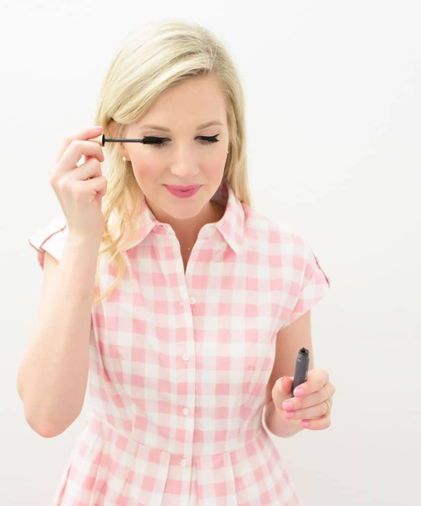 Ashley Brooke showing how to use L'Oreal's Voluminous Mascara