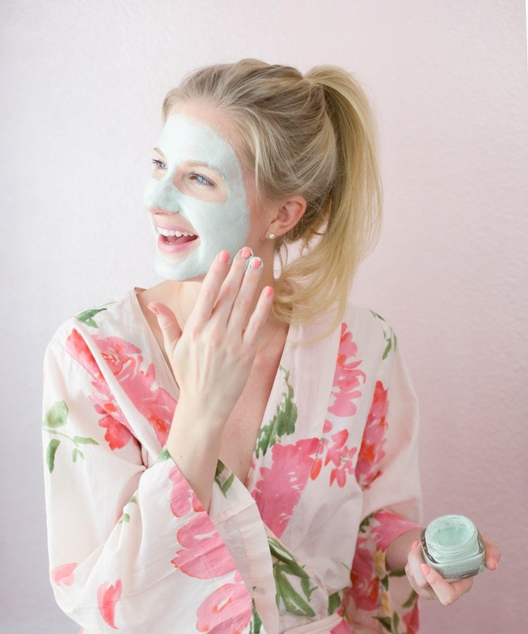 Ashley Brooke wearing L'Oreal Eucalyptus Pure Clay face mask