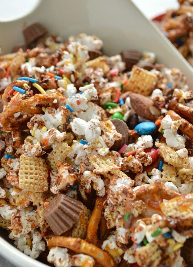 loaded-candy-bar-popcorn