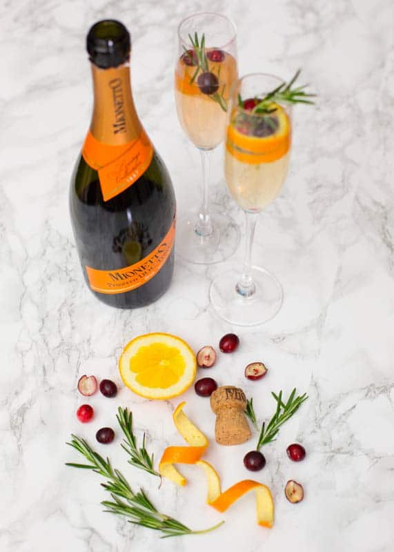 "Blogger Ashley Brooke's Holiday Champagne Cocktail Recipe: ""The Festive Fizz"" on ashleybrookedesigns.com"