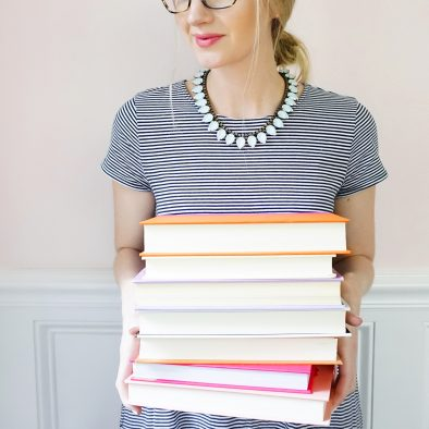 blogger Ashley Brooke reviews the last 15 books she's read ashleybrookedesigns.com