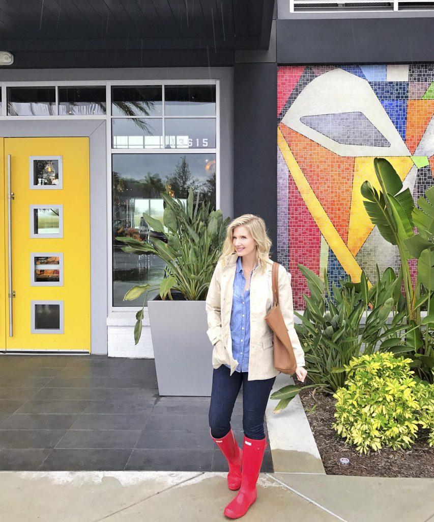 Blogger Ashley Brooke's Rainy Day look in Hunter Wellies and Vineyard Vines Rain Coat | ashleybrookedesigns.com