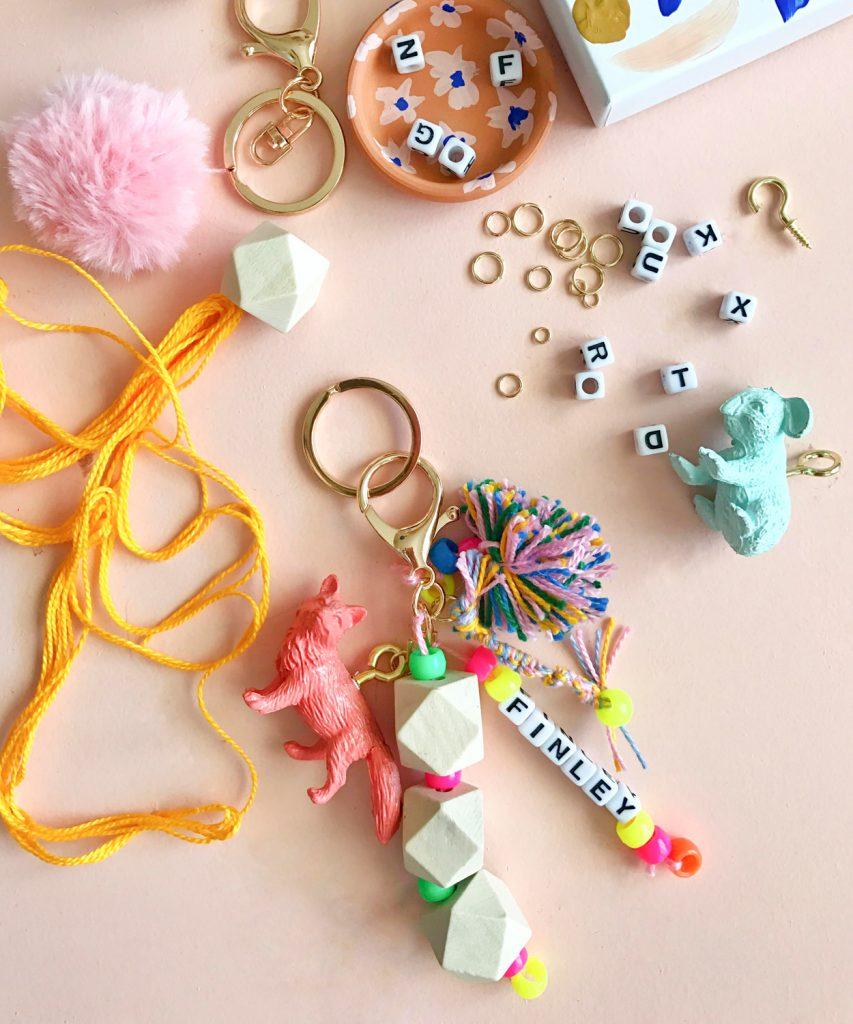 Blogger Ashley Brooke's Baby Shower Crafts | www.ashleybrookedesigns.com