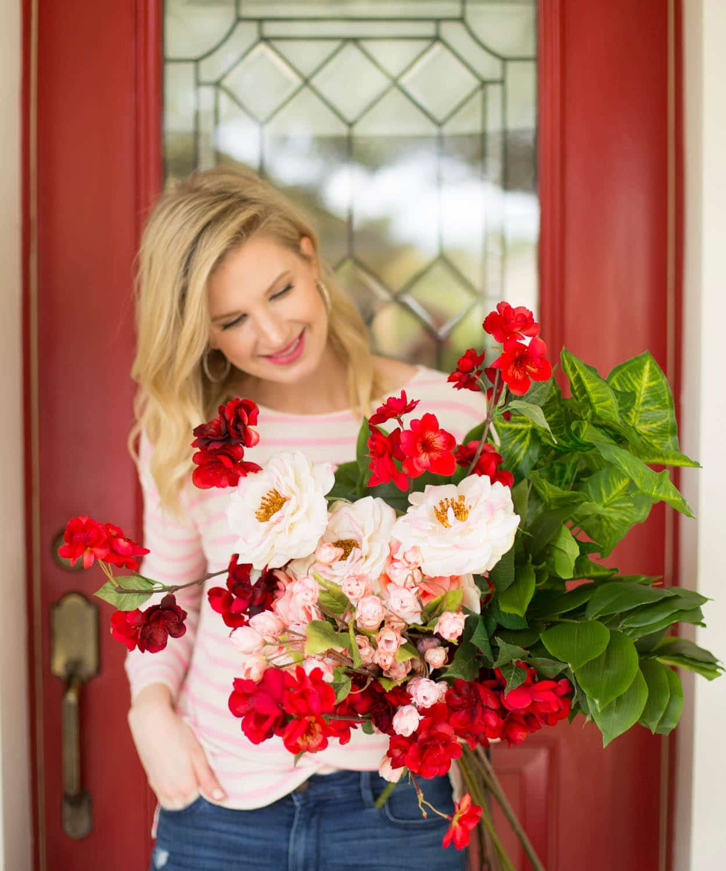 Blogger Ashley Brooke's Valentine and Spring Wreath DIY | www.ashleybrookedesigns.com
