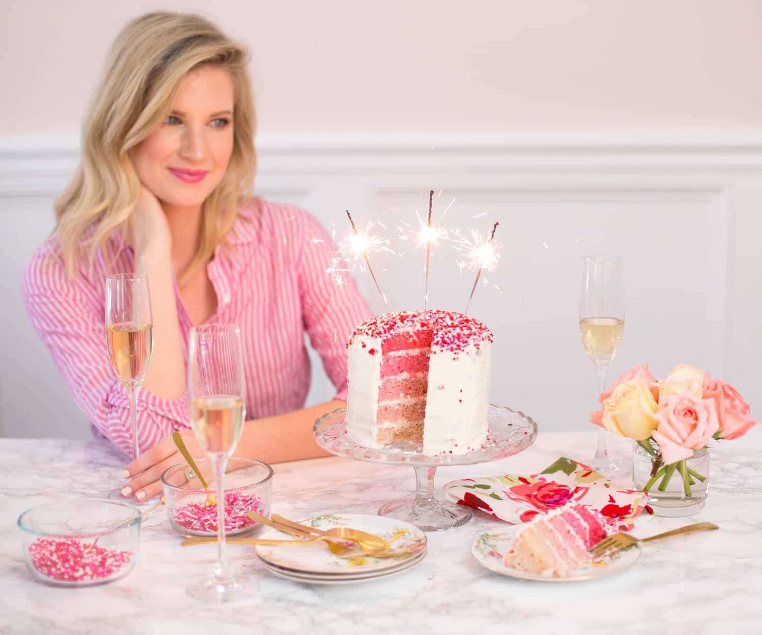 Blogger Ashley Brooke's DIY Heart Ombre Cake | www.ashleybrookedesigns.com