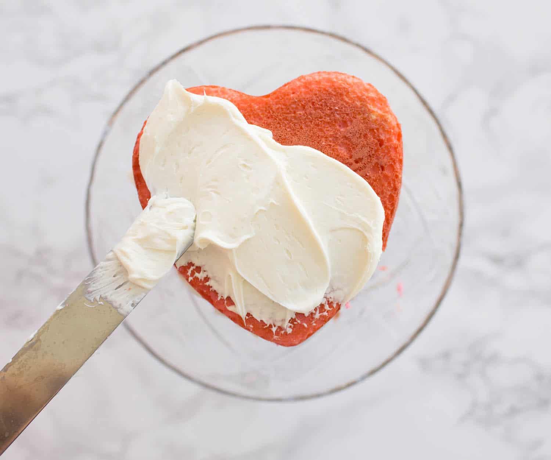 Blogger Ashley Brooke's DIY Heart Ombre Cake | www.ashleybrookedesigns.com