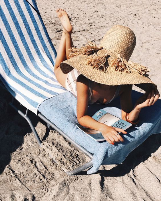 Blogger Ashley Brooke shares her favorite straw hats. | www.ashleybrookedesigns.com