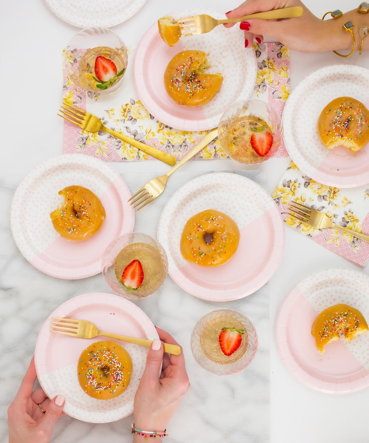 Blogger Ashley Brooke shares the cutest paper plates perfect for entertaining! | www.ashleybrookedesigns.com