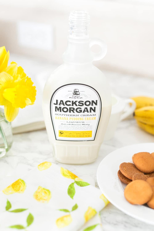 Blogger Ashley Brooke shares her Boozy Banana Pudding recipe with Jackson Morgan Cream! | www.ashleybrookedesigns.com