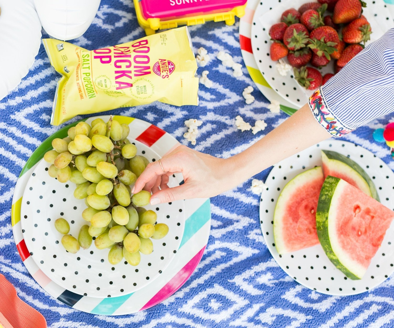 Blogger Ashley Brooke packs the best snacks for Memorial Day! | www.ashleybrookdesigns.com