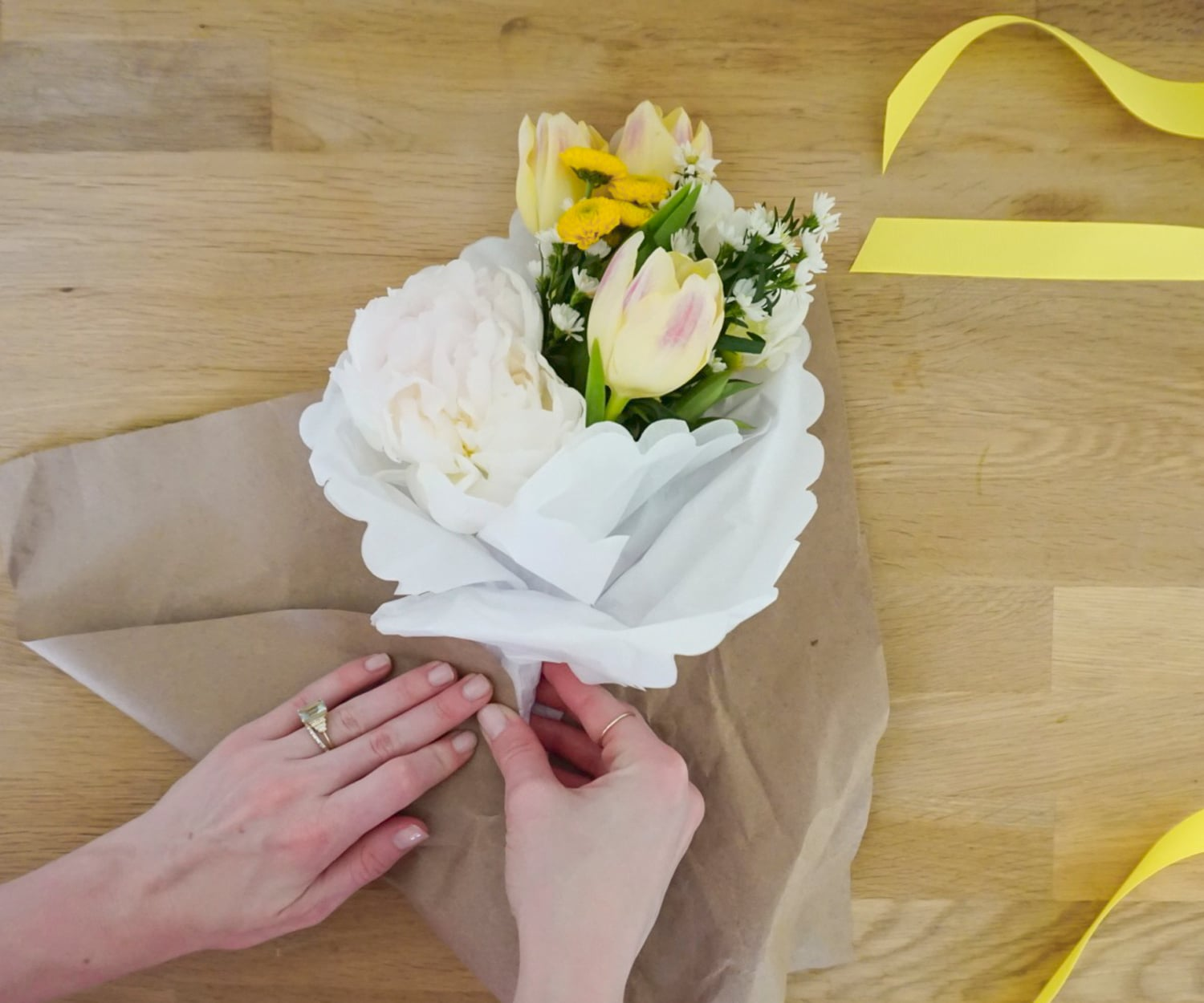 How to design a DIY Mother's Day bouquet! | www.ashleybrookedesigns.com