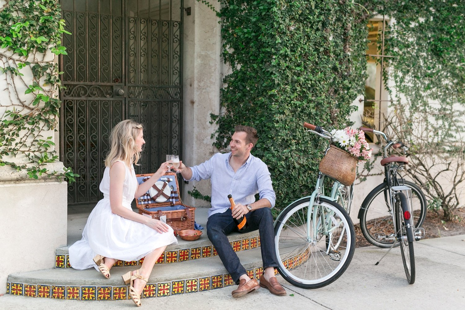 Blogger Ashley Brooke shares how to perfect the neighborhood date night! | www.ashleybrookedesigns.com