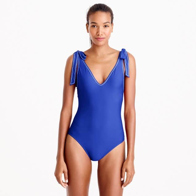 Blogger Ashley Brooke shares her favorite one piece bathing suits for summer! | www.ashleybrookedesigns.com