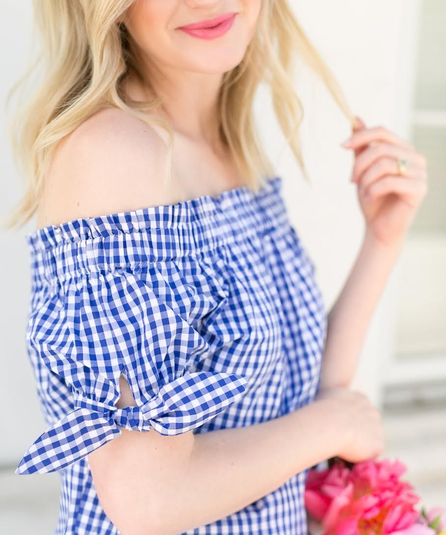 Blogger Ashley Brooke shares her favorite ways to wear gingham for the summer! | www.ashleybrookedesigns.com