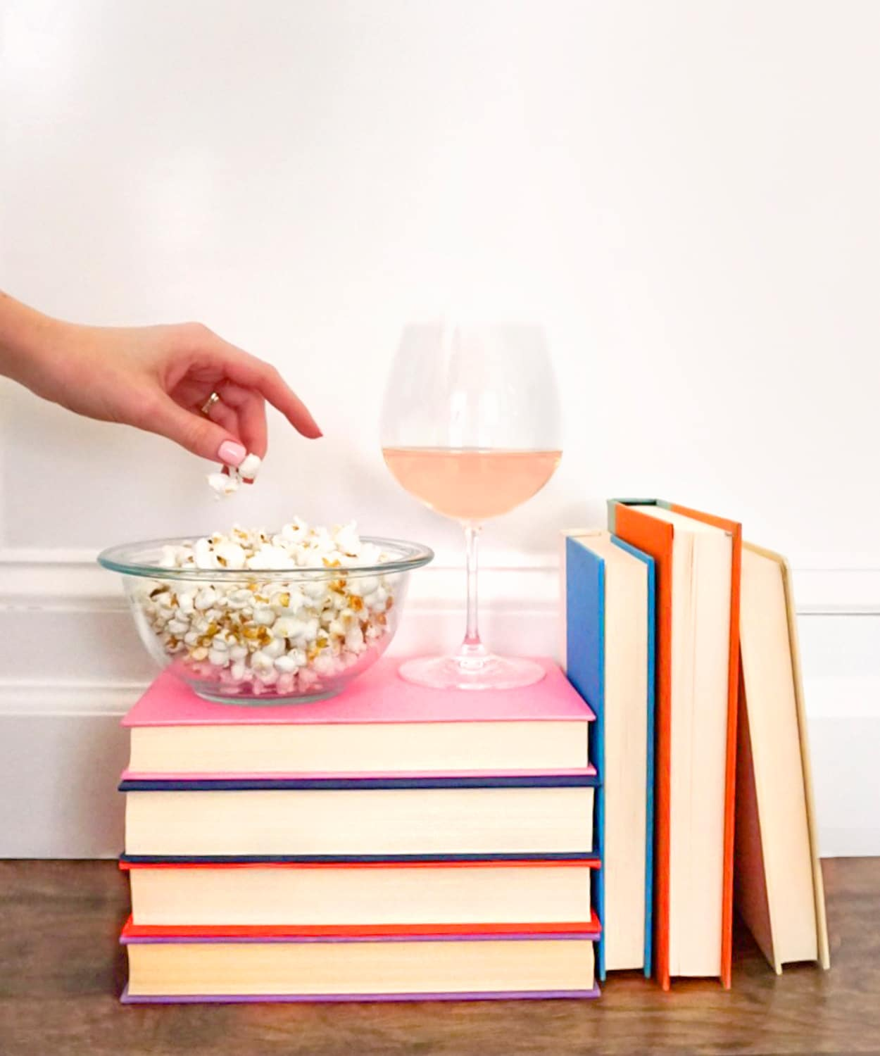 Blogger Ashley Brooke shares the latest seven books from her reading list! | www.ashleybrookedesigns.com