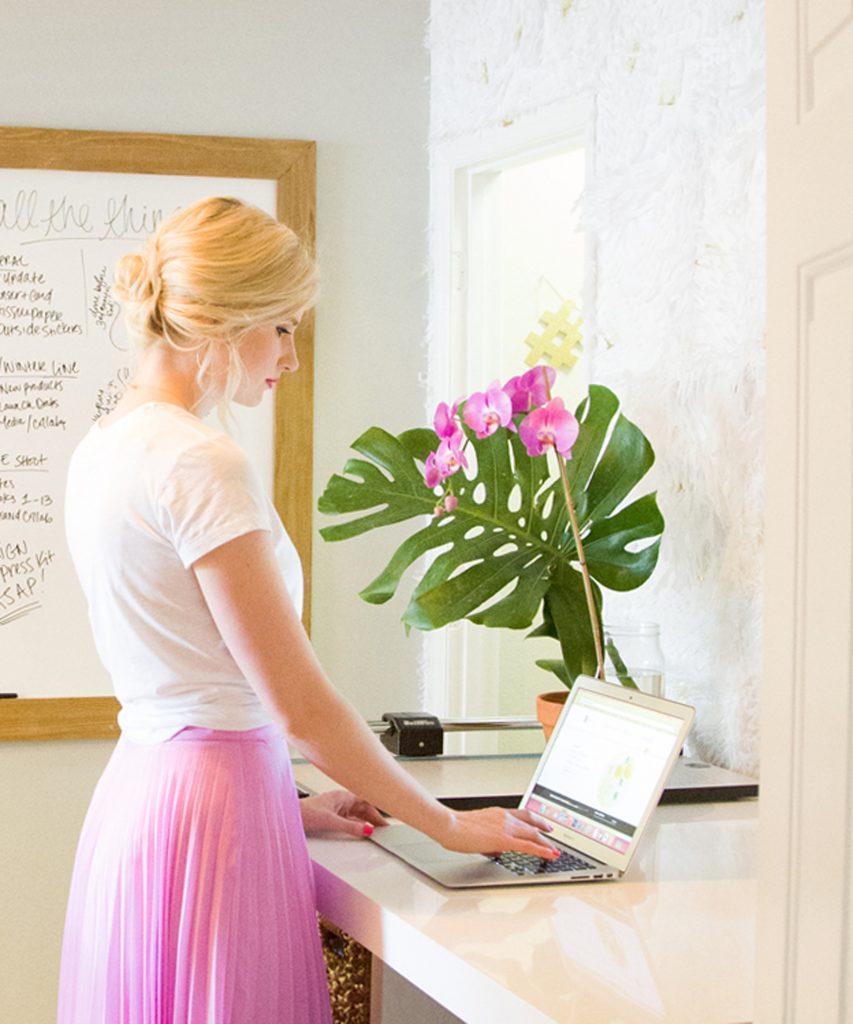 Ashley Brooke kicks off her new series, Desk Obsessed! | www.ashleybrookedesigns.com
