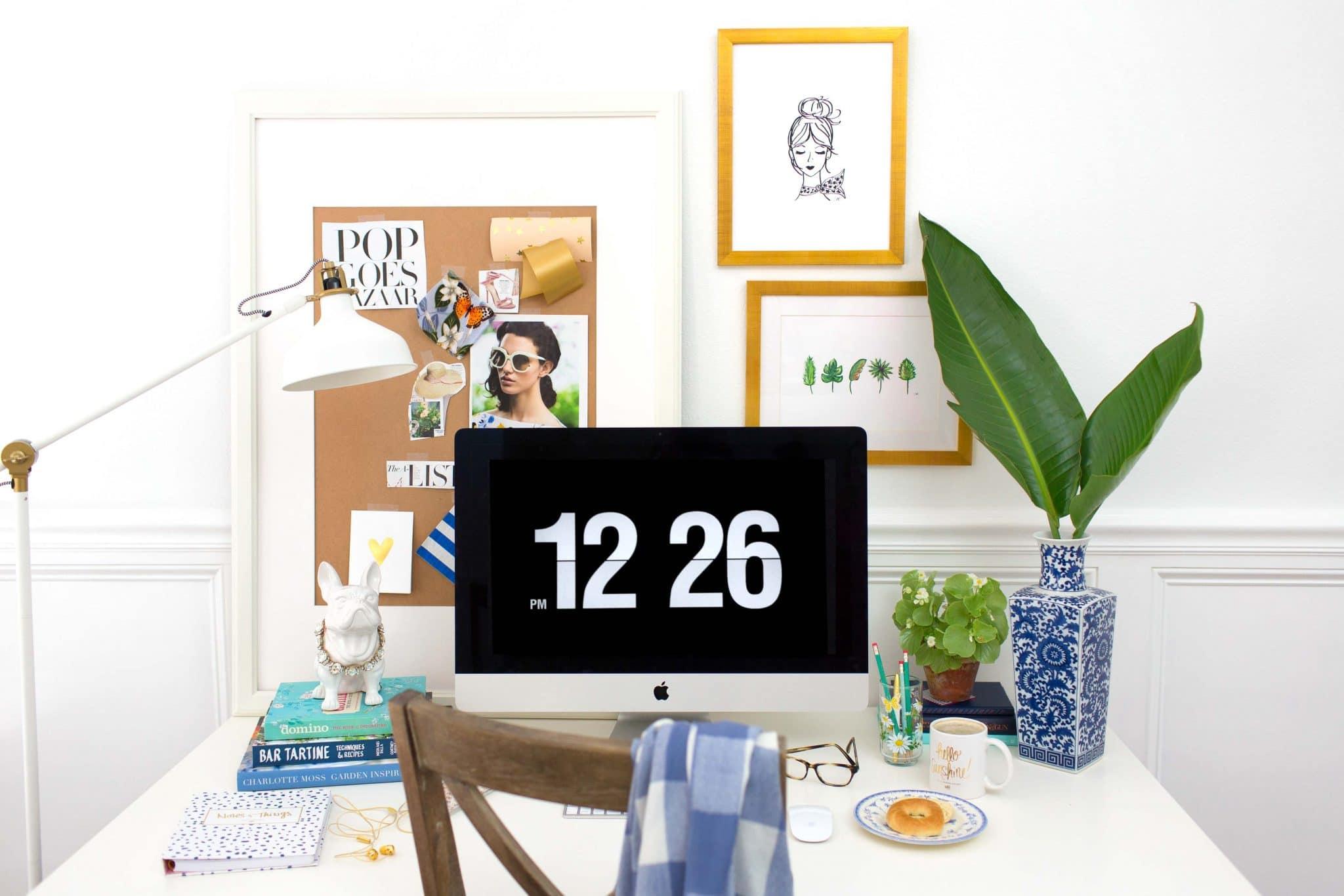 Designer Ashley Brooke shares how to style a desk three ways! | www.ashleybrookedesigns.com