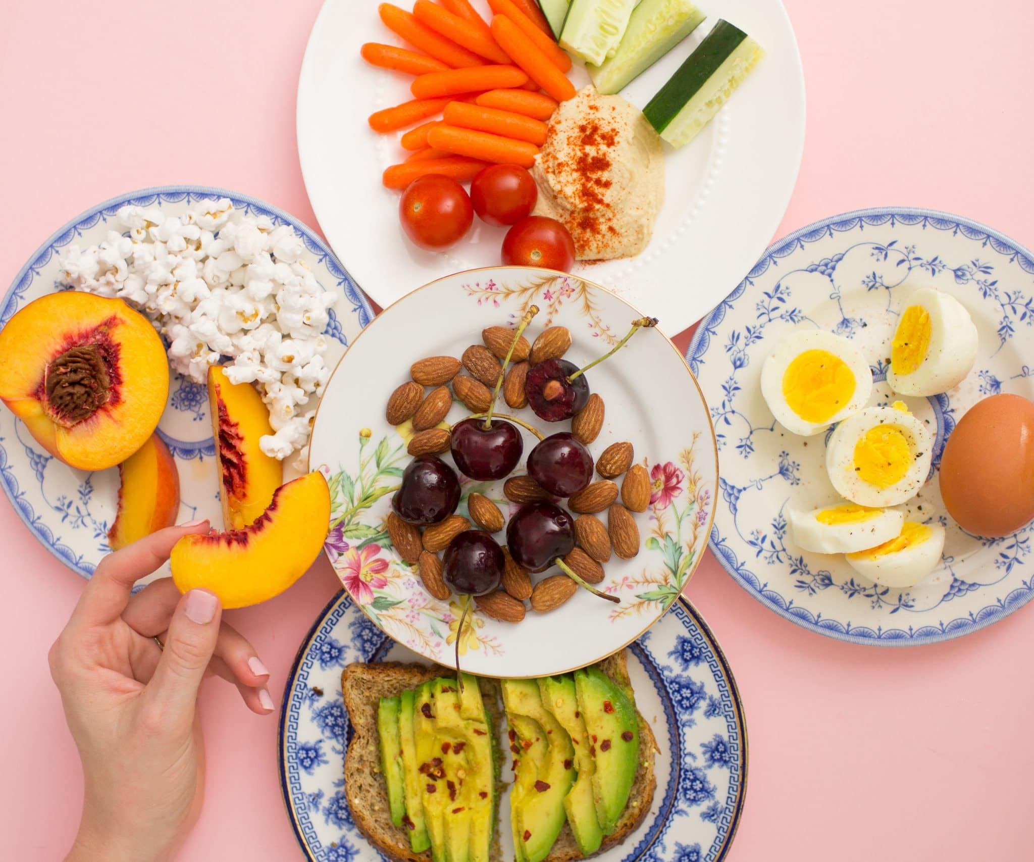 Blogger Ashley Brooke shares her six go-to healthy snacks! | www.ashleybrookedesigns.com