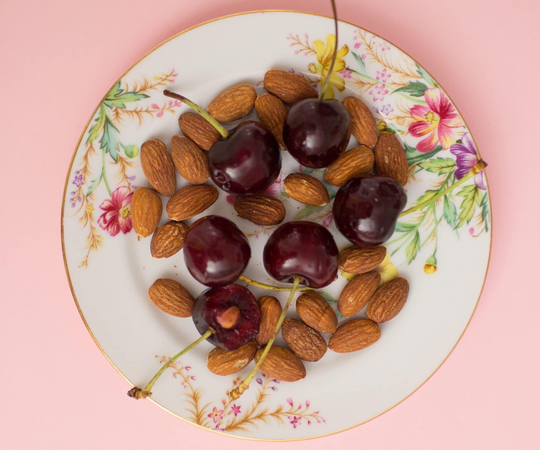 Blogger Ashley Brooke shares her six go-to healthy snacks! | www.ashleybrookedesigns.com
