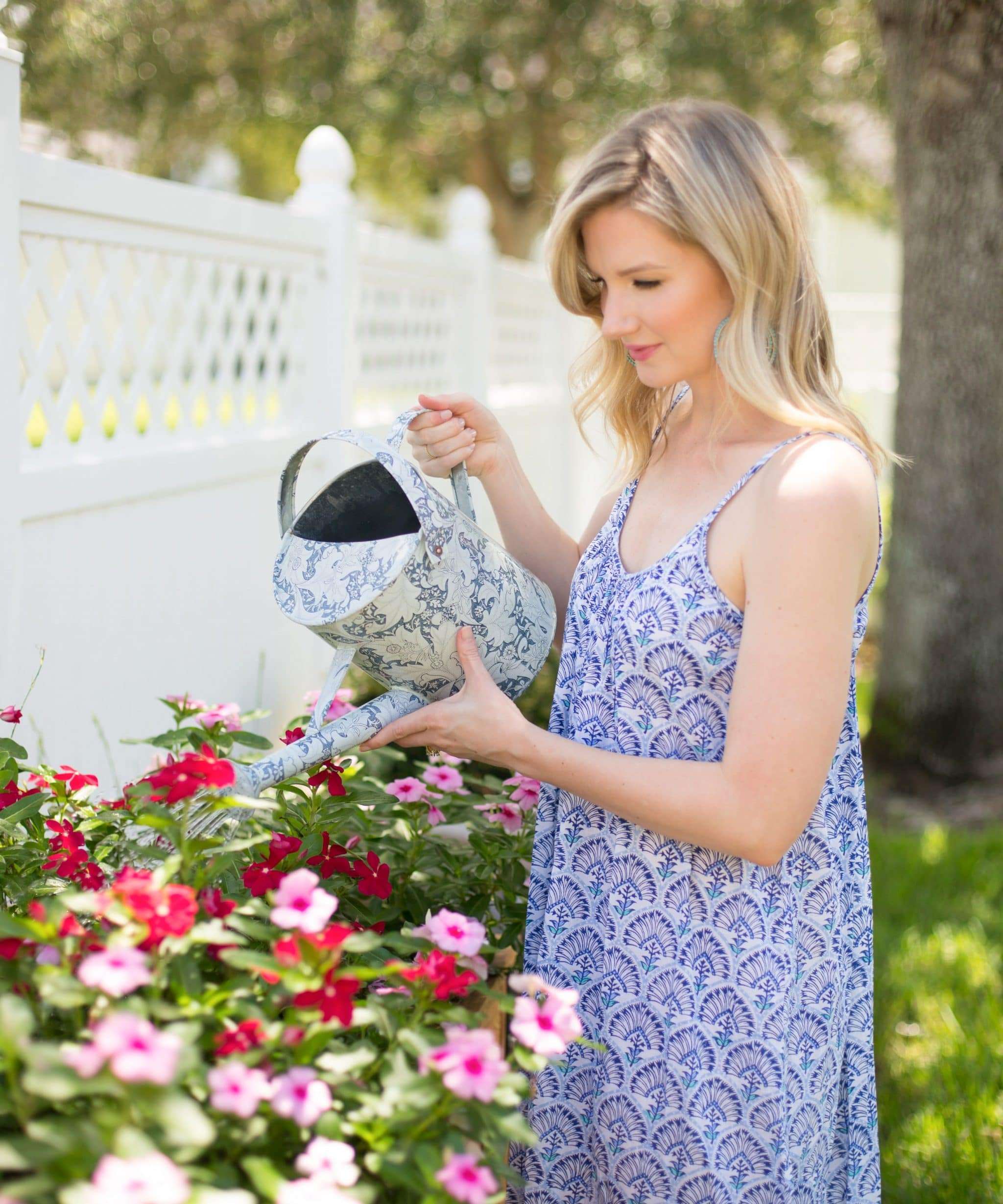 What to wear under tops, skirts, dresses, and shorts? Blogger Ashley Brooke spills her secrets! | www.ashleybrookedesigns.com