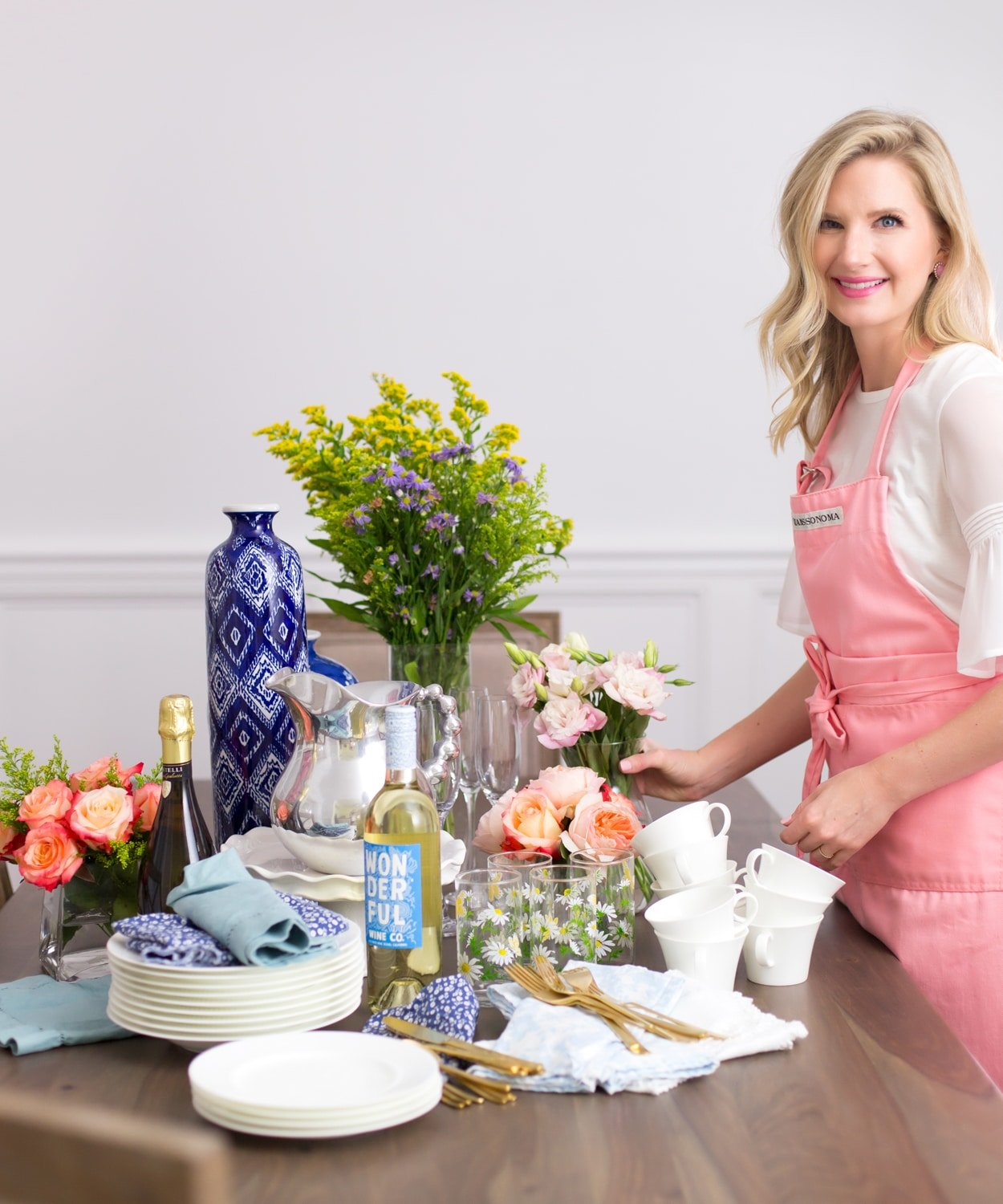 """Blogger Ashley Brooke introduces her new series, """"The Dinner Party"""". 