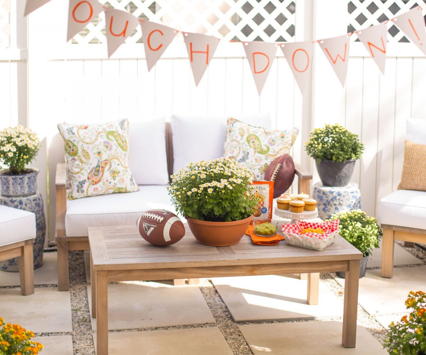 Blogger Ashley Brooke's Tips For Perfecting The At Home Tailgate | www.ashleybrookedesigns.com/blog