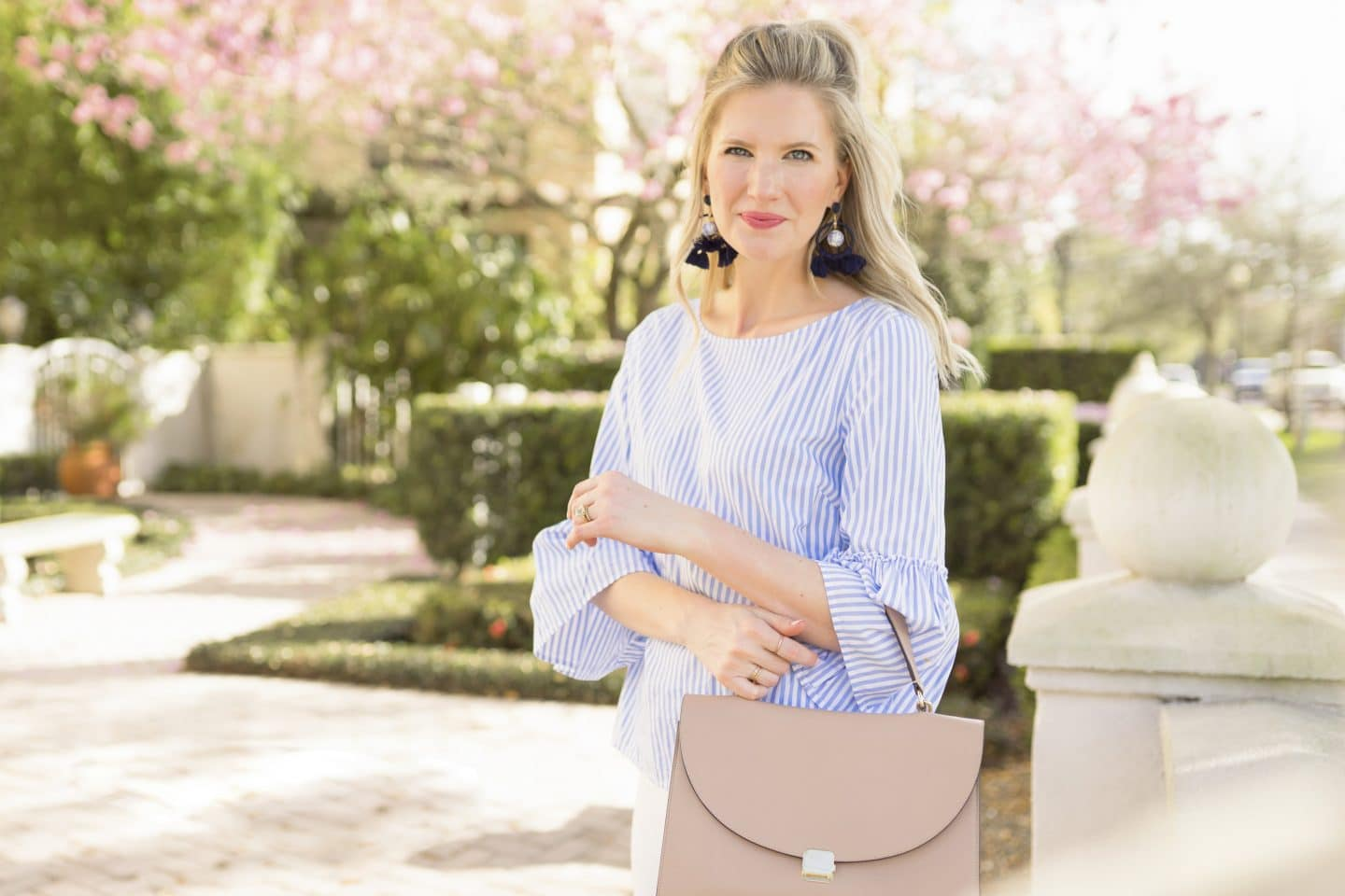 Blue & White Spring Outfit | ashleybrookedesigns.com