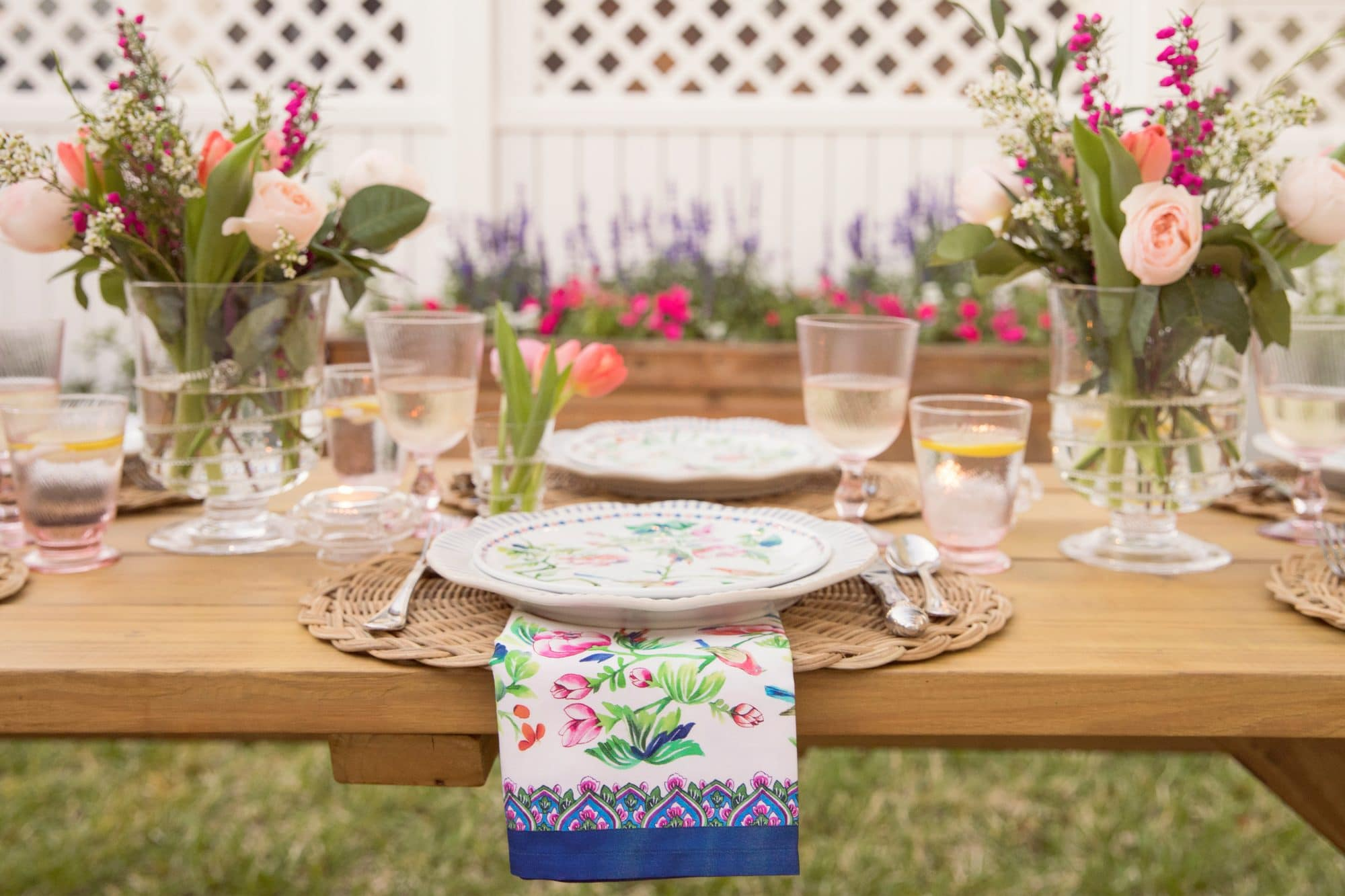 Three Steps to a Stunning Spring Table - Ashley Brooke | www.ashleybrookedesigns.com