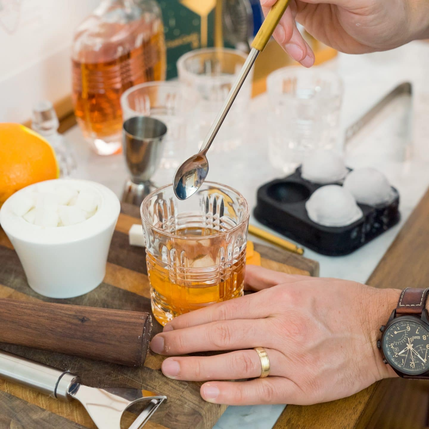 How to Make a Classic Old Fashioned Cocktail | Recipe | www.ashleybrookedesigns.com