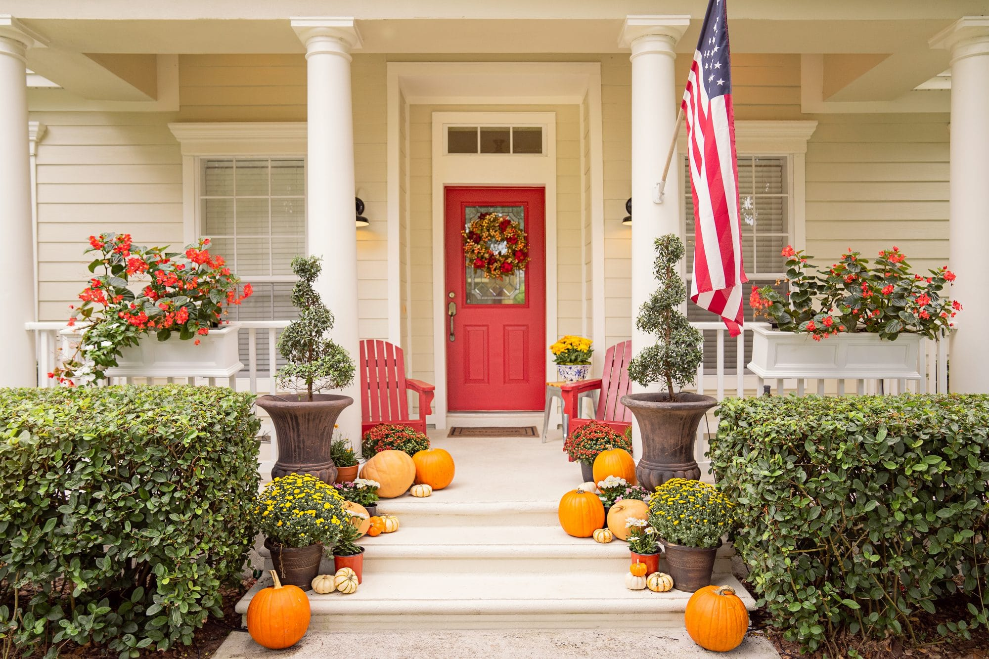 Ashley Brooke's Front Porch - Fall - www.ashleybrookedesigns.com