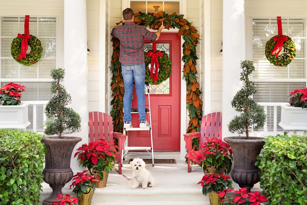 Our Door Holiday Decor | www.ashleybrookedesigns.com 1