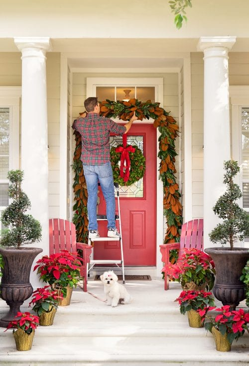 Our Door Holiday Decor | www.ashleybrookedesigns.com 2