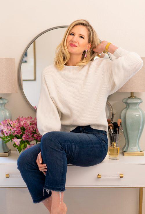 Ashley Brooke - How I organized my makeup drawers