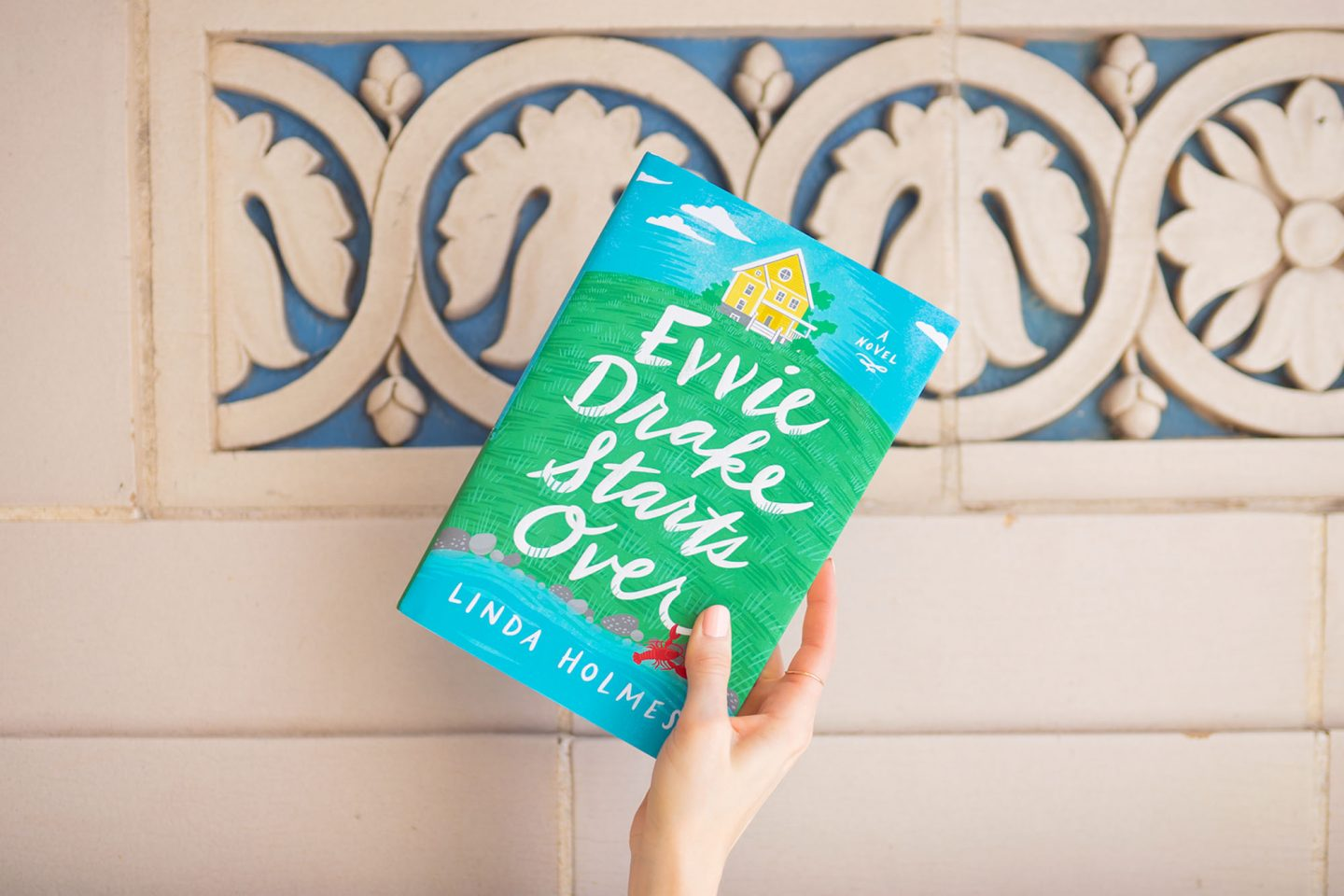 August's Book: Evvie Drake Starts Over
