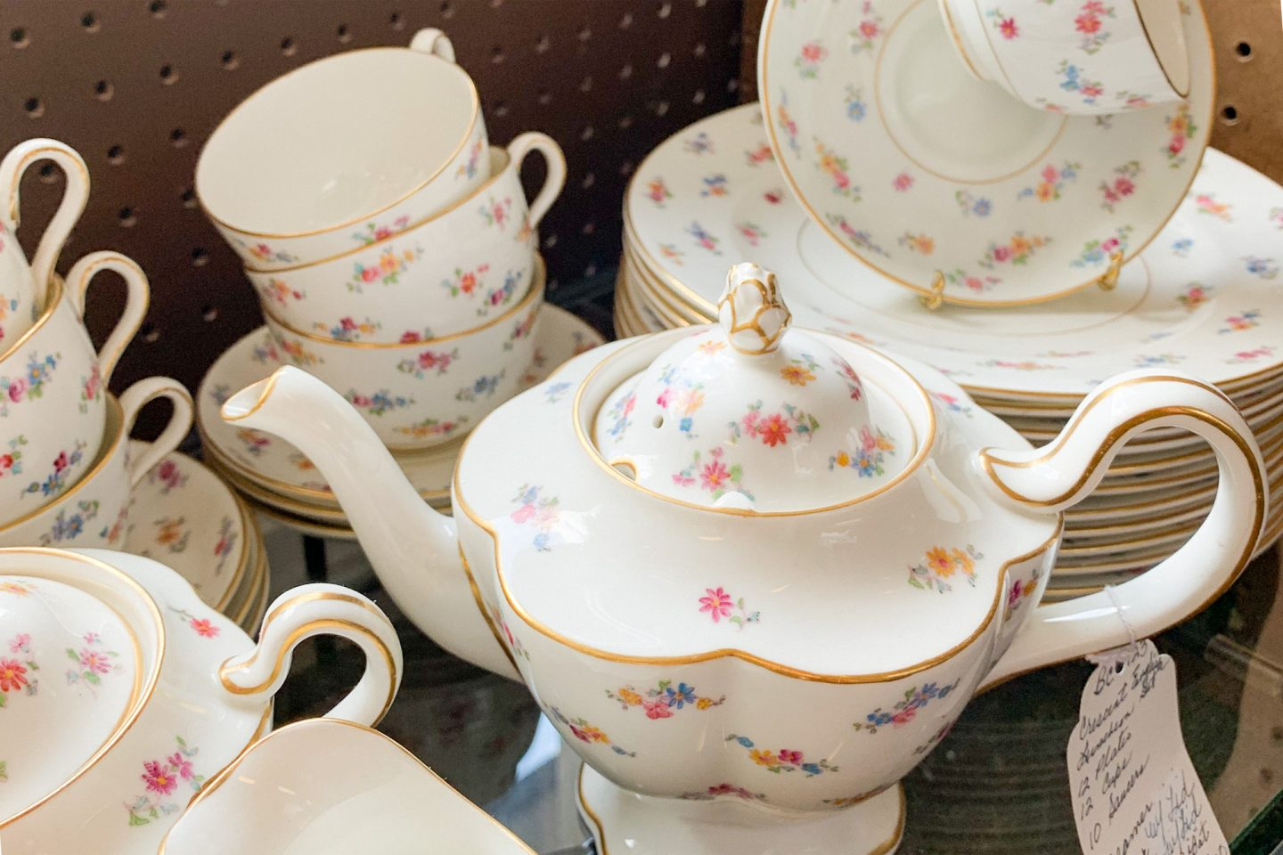 The Best Places to Find Vintage China