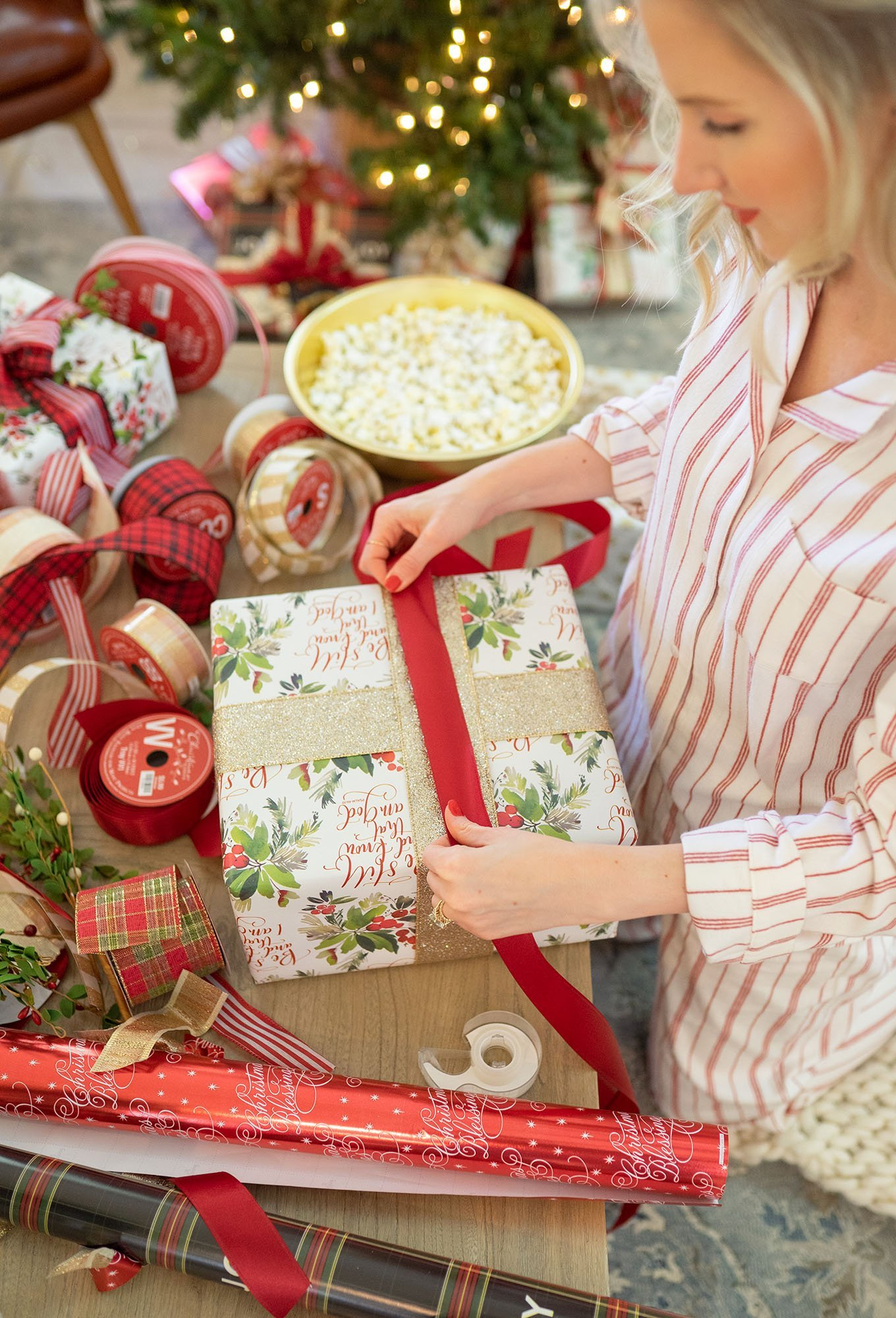 Gift wrapping tips from Ashley Brooke