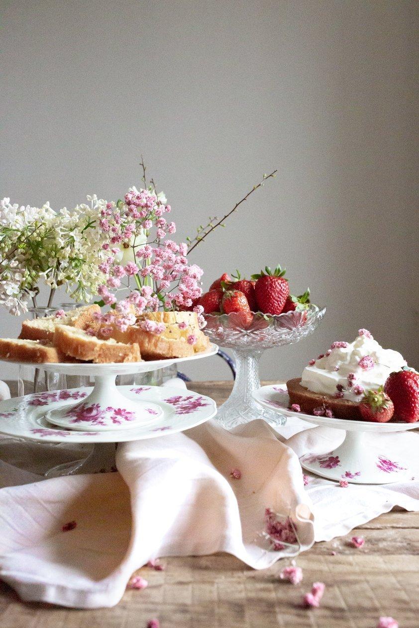 Madame de la Maison: Tea for Two