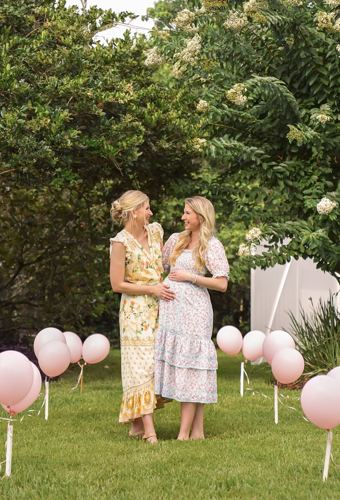 Ashley Brooke and Sister Kyla at her social distancing baby shower