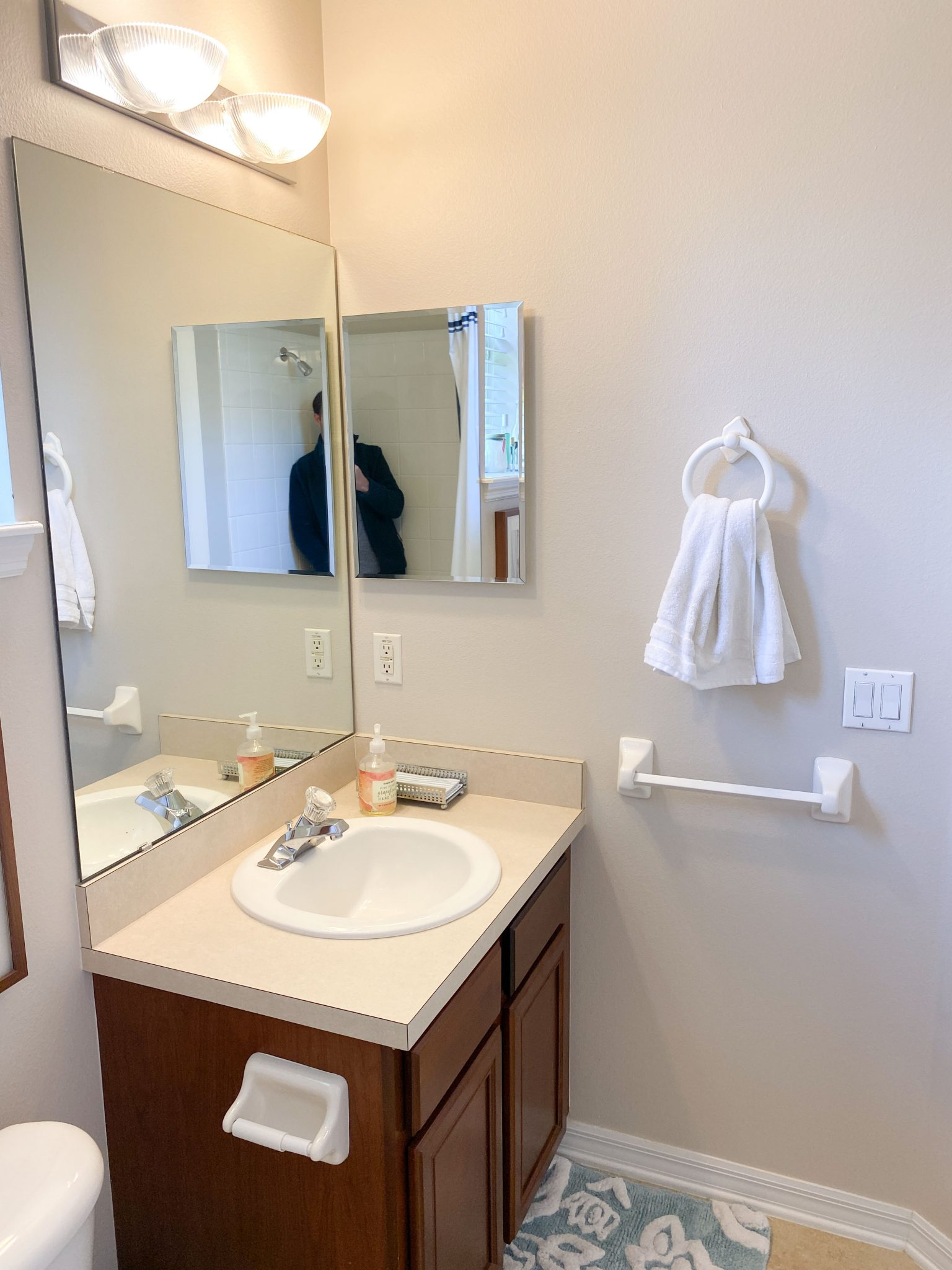 Before the renovation - picture of bathroom from another angle